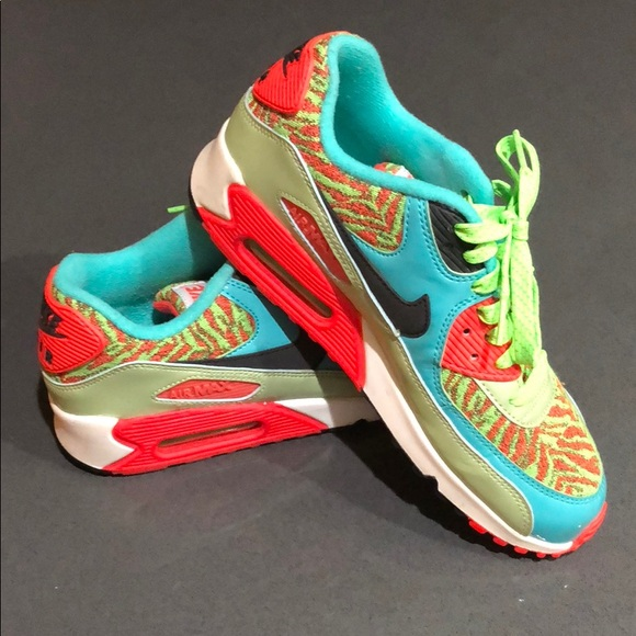 mieux aimé 77a6f d9a3a Neon Nike Air Max - MINT - Size 6.5 Youth/39 Euro